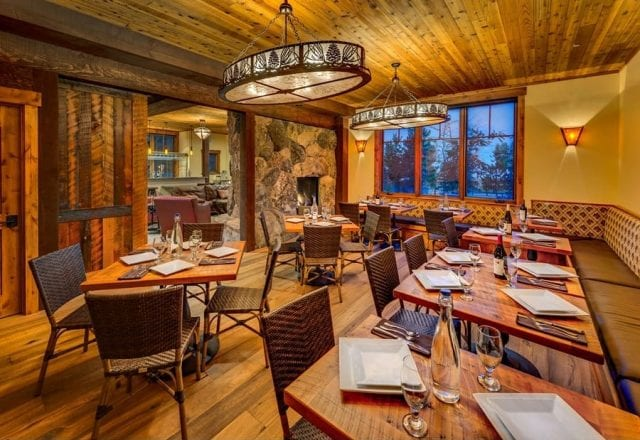 Cedar Glen Lodge dining and meeting space