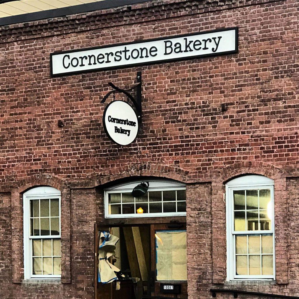 Cornerstone Bakery in Truckee near Lake Tahoe bakes wedding cakes